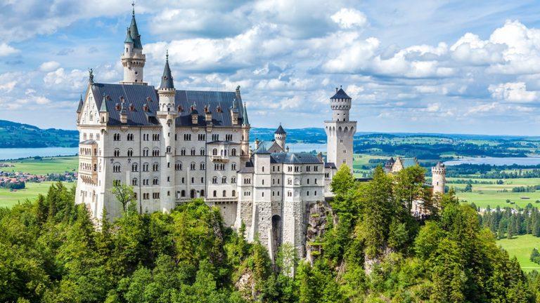 pielgrzymka-polonia-travel-Neuschwanstein-min