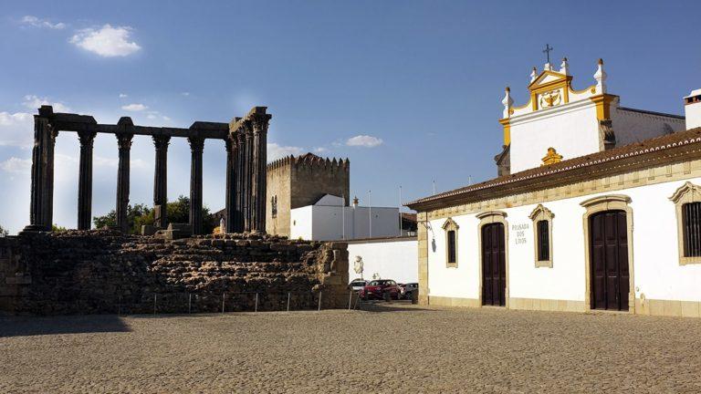 wycieczka-polonia-travel-portugalia-evora-min